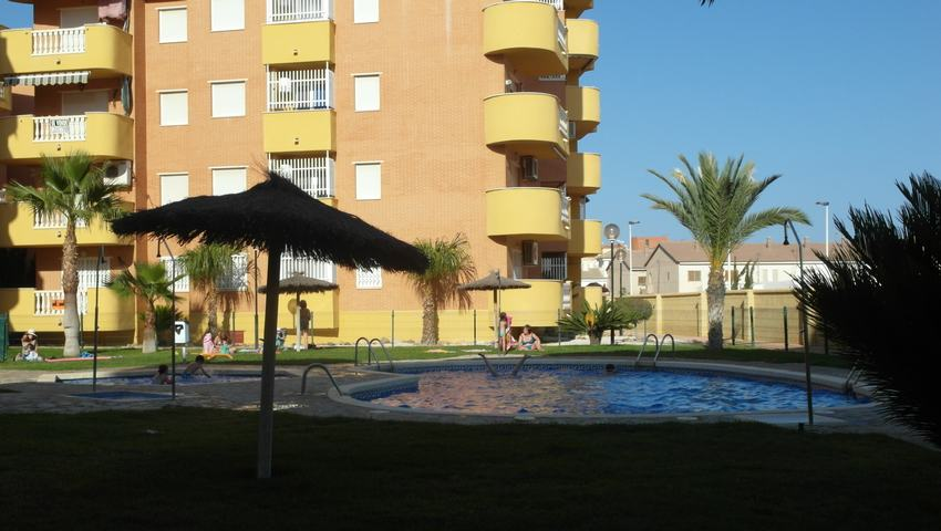 Apartment with swimming pool for rent in Puerto de Mazarrón