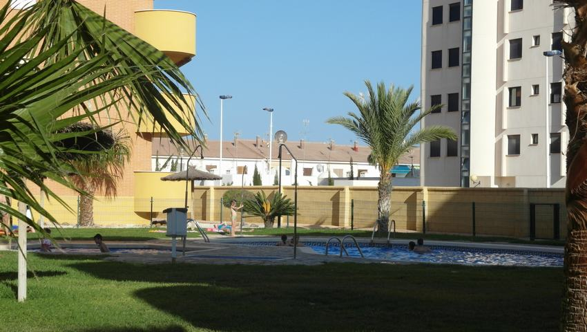 Apartment with swimming pool for rent in Puerto de Mazarrón #130150-en