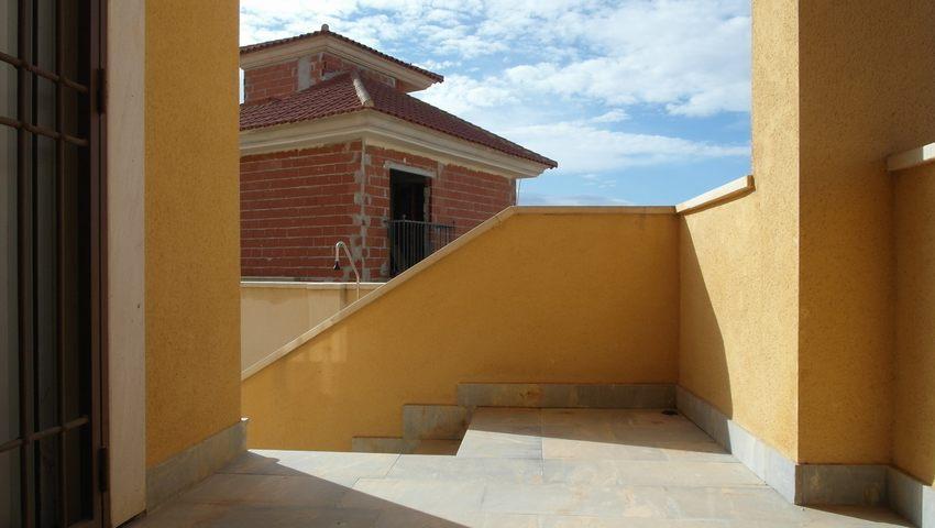 Villa with pool for sale in Puerto de Mazarron
