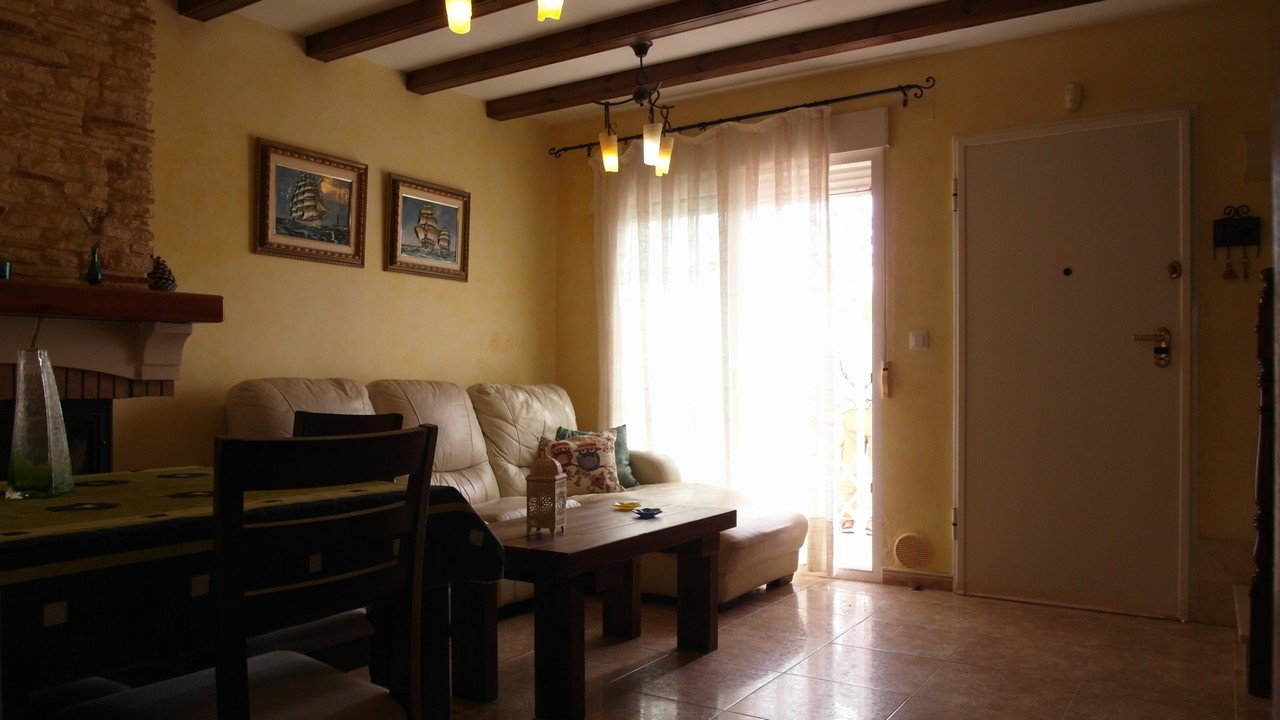 Semi-detached townhouse with sea view for sale in Isla Plana