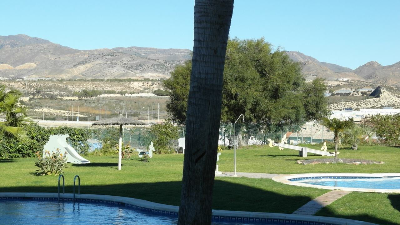 Air-conditioned apartment, sea views and swimming pool in Puerto de Mazarron