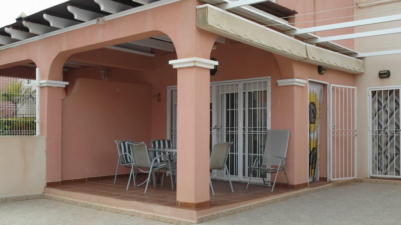 Duplex semiadosado con vistas al mar y piscina en alquiler en Puerto de Mazarron