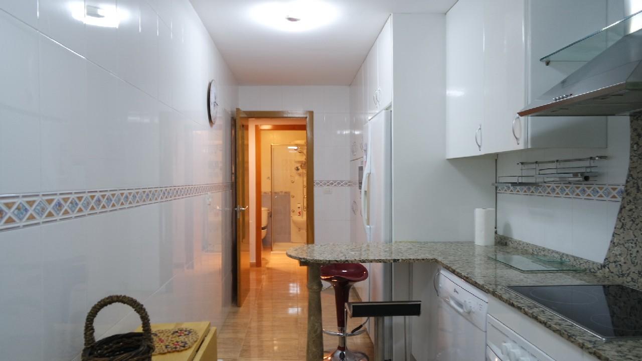 Apartamento lujoso con vistas al mar, A/A y parking en alquiler vacacional en Puerto de Mazarron