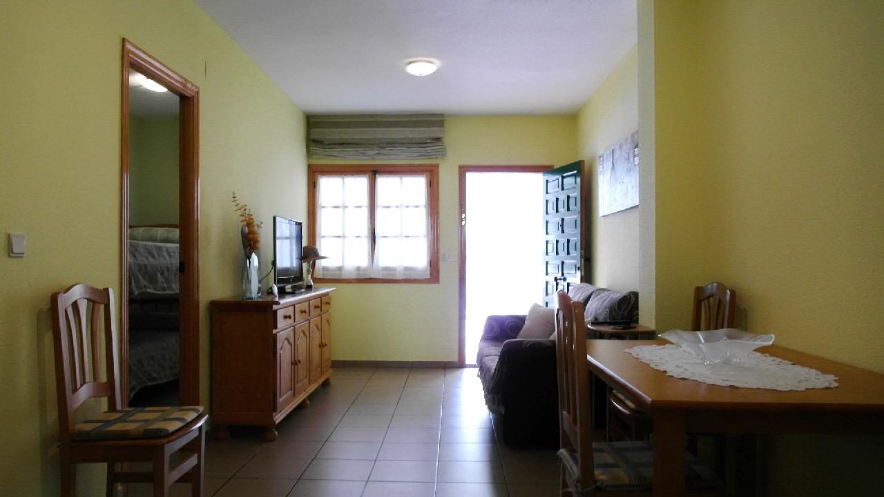 Ground floor partment with terrace and pool for rent in Puerto de Mazarrón