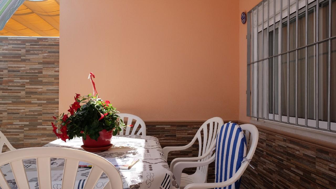Duplex adosado reformado y con amplia terraza en venta en Puerto de Mazarron