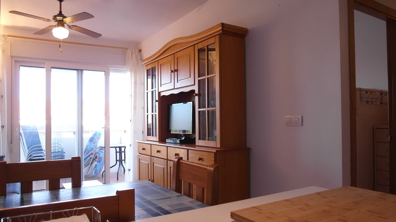 Ccosy apartment with A/C and swimming pool for rent in Puerto of Mazarron