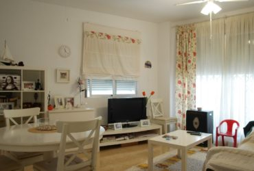 Downtown apartment, patio and parking space with storage room for sale in Puerto de Mazarron #00055-en
