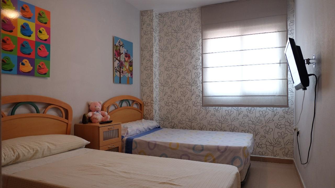 Apartamento en planta baja, con A/A y parking doble en alquiler vacacional en Puerto de Mazarron