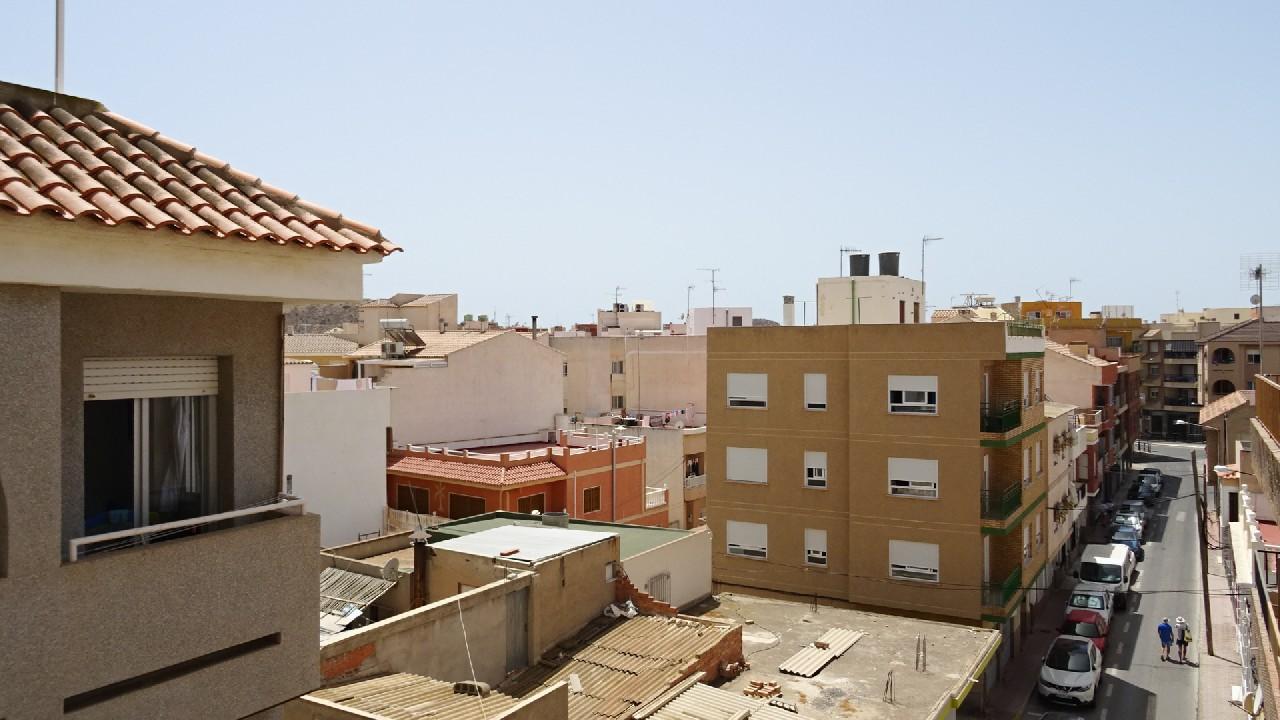 Apartment close to the beach for sale in Puerto de Mazarron