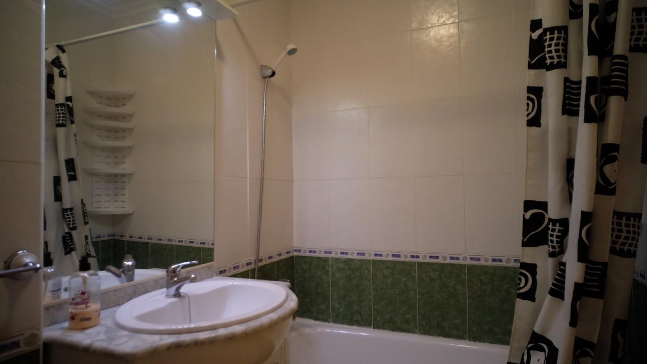 Apartamento en planta baja con piscina comunitaria en venta en el Puerto de Mazarron