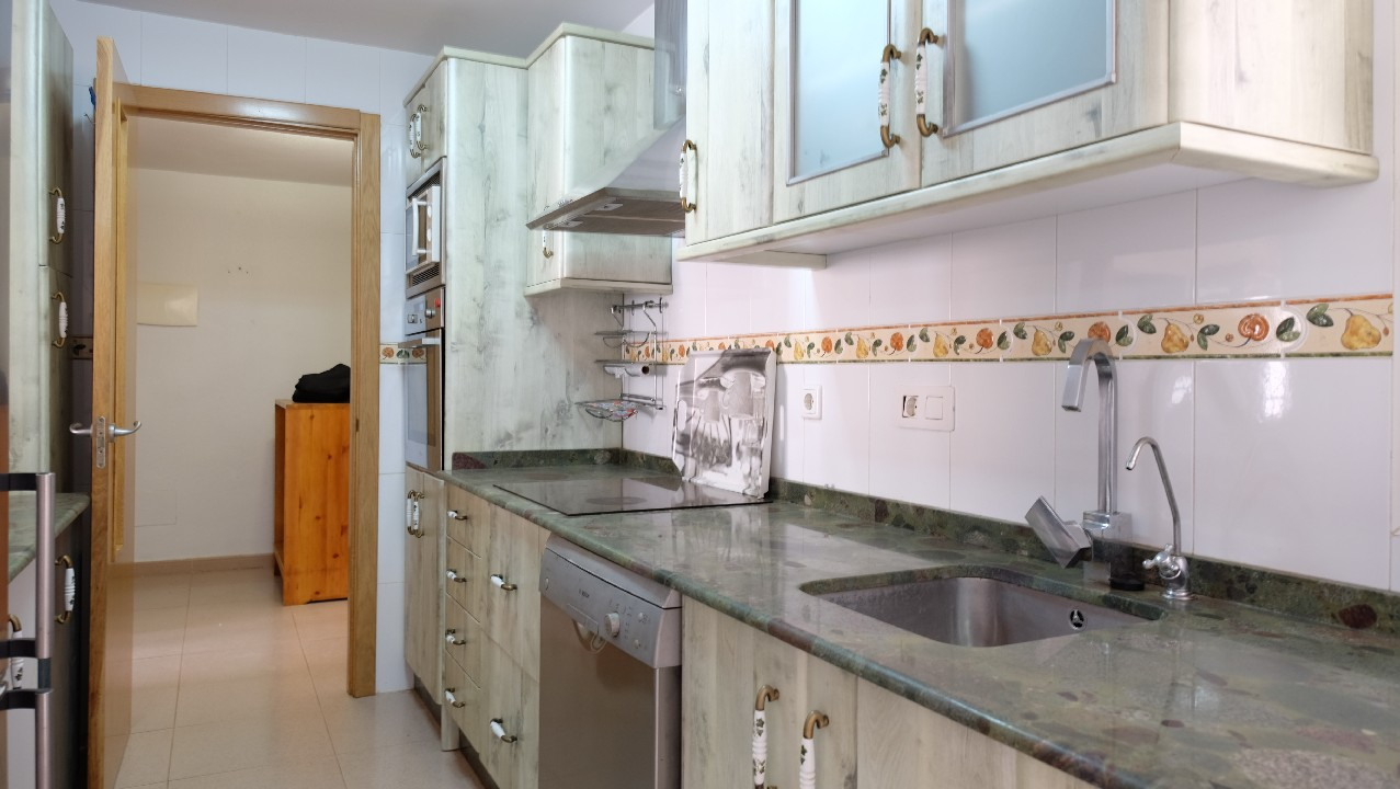 Apartment with sea view and pool for sale in Puerto de Mazarron