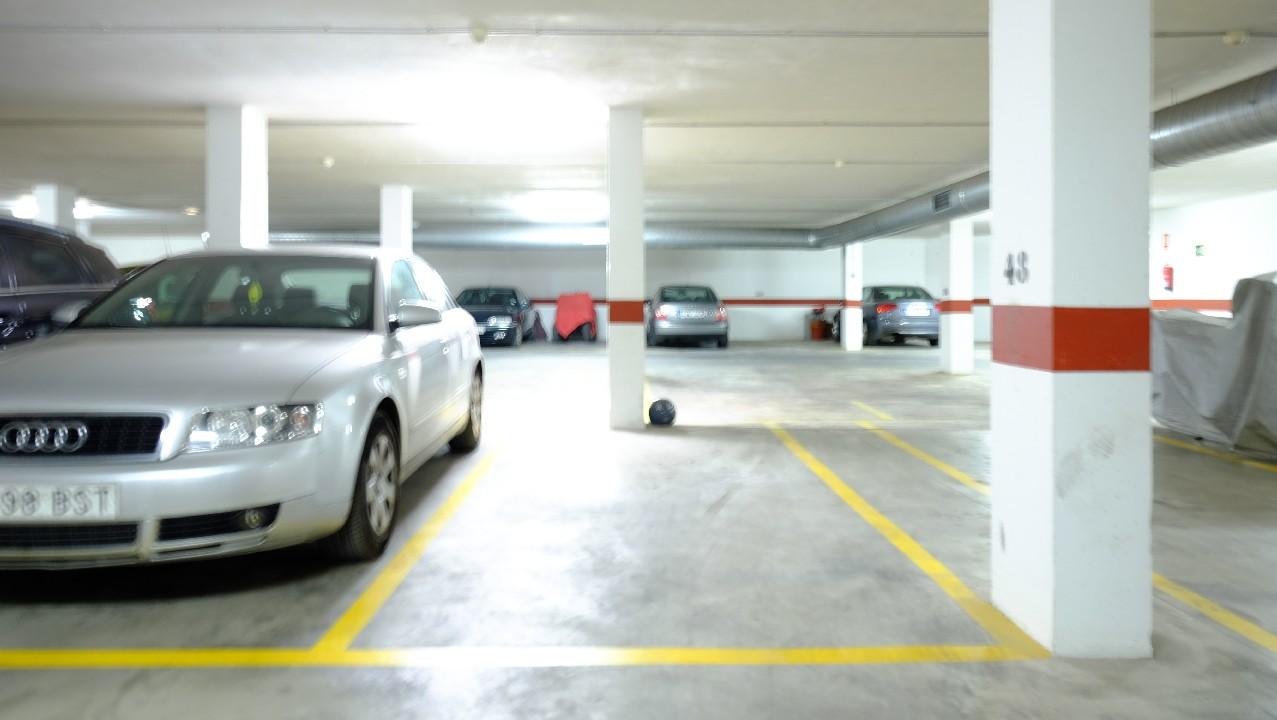 Piso centrico con parking en venta en el Puerto de Mazarron
