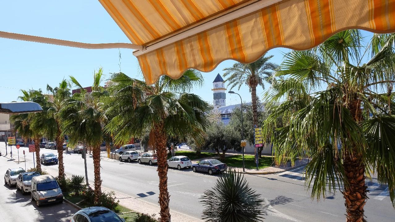 Piso céntrico con parking en venta en Puerto de Mazarron