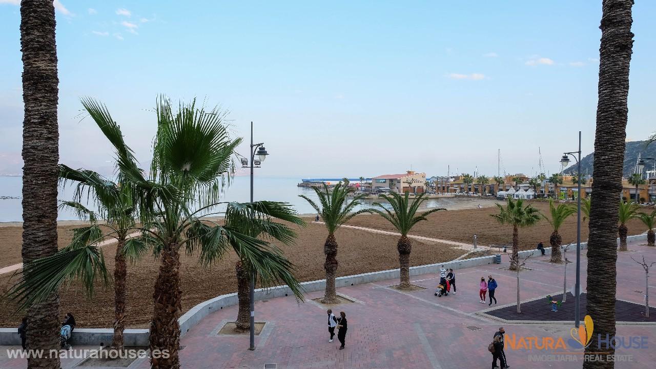 Piso con vistas al mar en venta en el paseo de Puerto de Mazarrón
