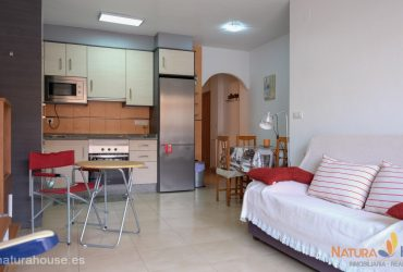 Apartamento céntrico y cerca de la playa en venta en Puerto de Mazarron #00069