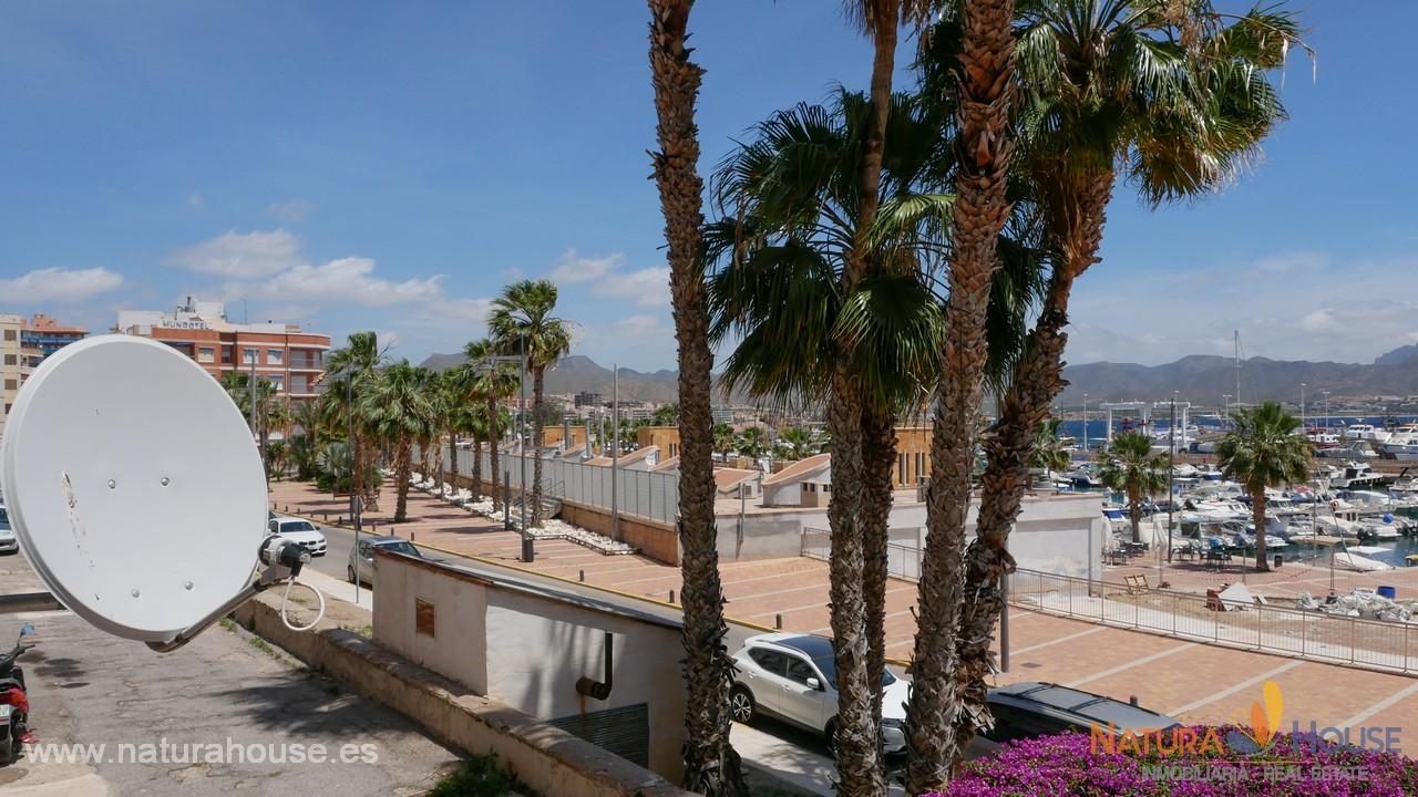 Piso grande cerca de la playa en venta en Puerto de Mazarrón