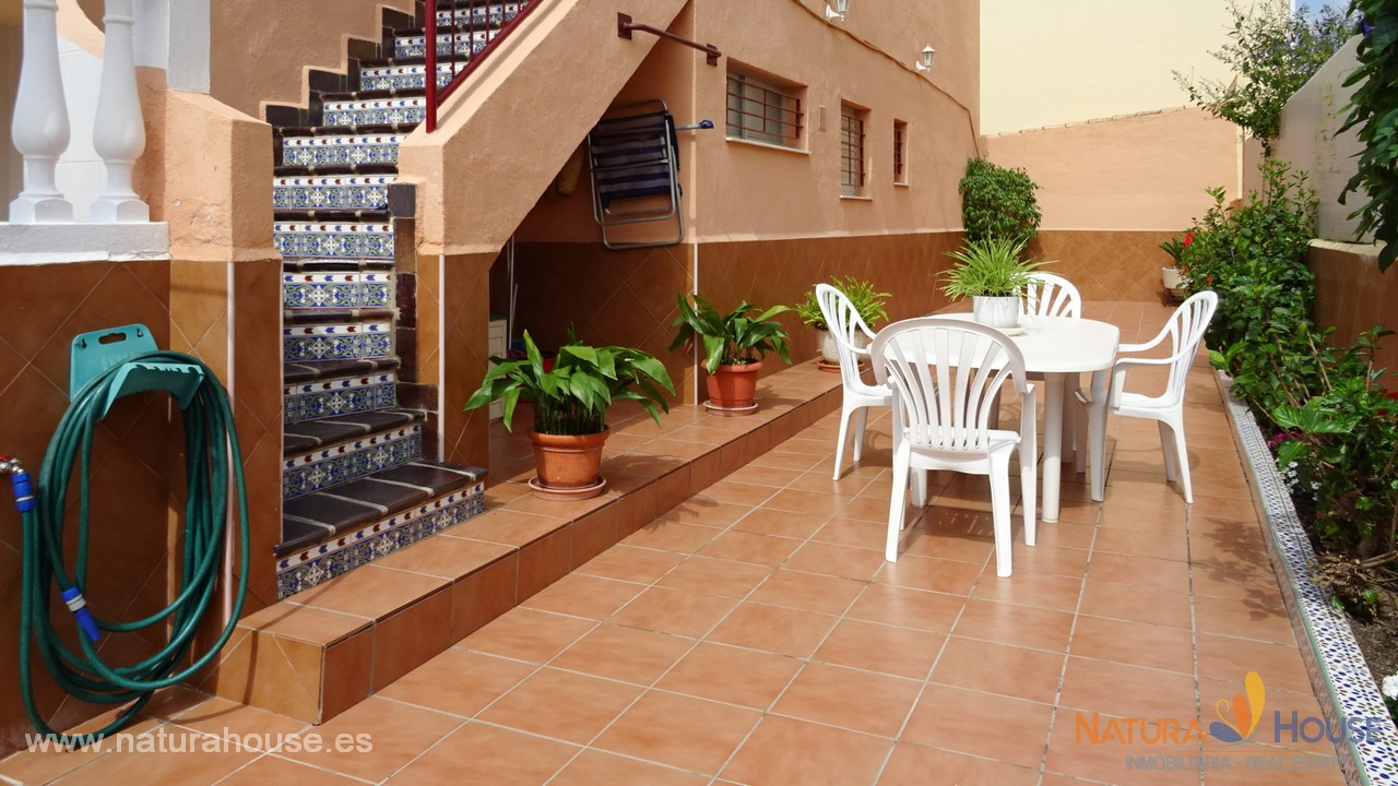 Top floor with patio and solarium for sale in Playagrande