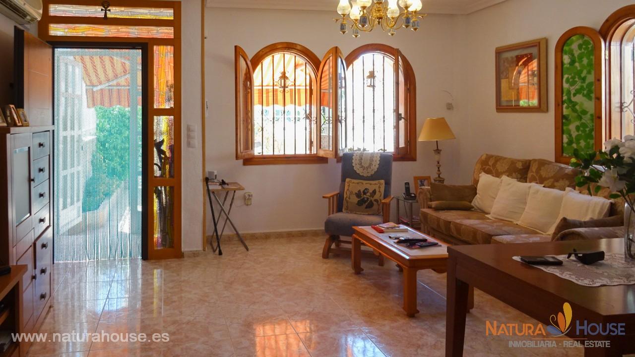 Duplex semi-adosado con parcela en Bahia
