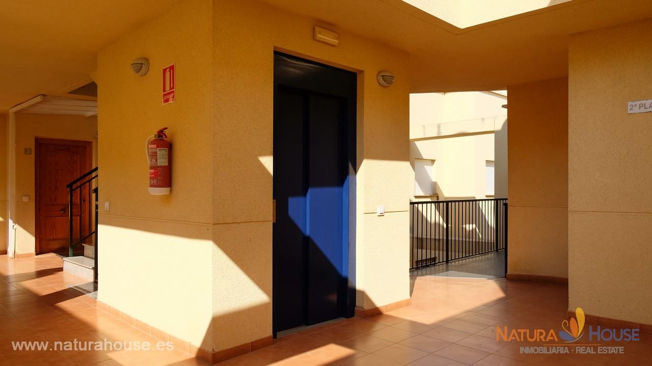 Apartamento céntrico con terraza grande en Puerto de Mazarrón